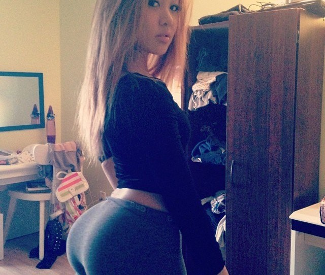 Https Bootyoftheday Co Wp Content Uploads   Big Booty Girls In Yoga Pants P  Jpg