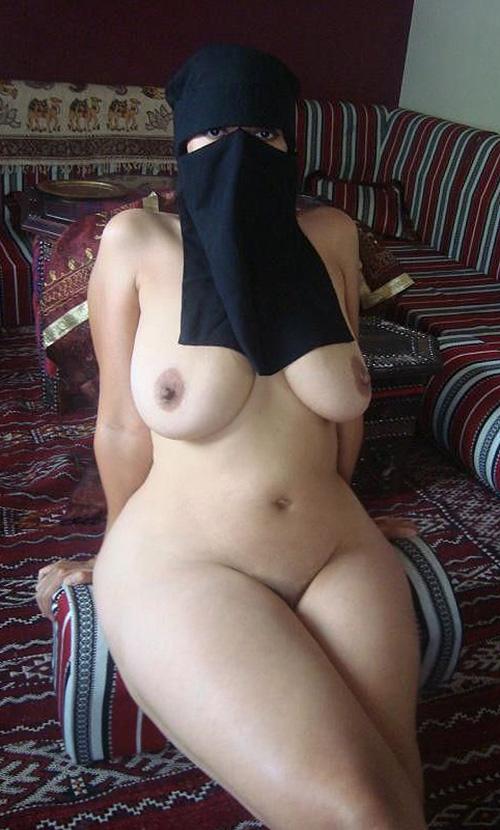 nude indonesian older ladies pics