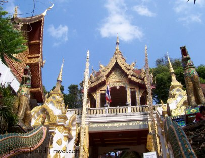 Entrance to Wat Phrathat Doi Suthep