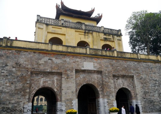 thang-long-gate1