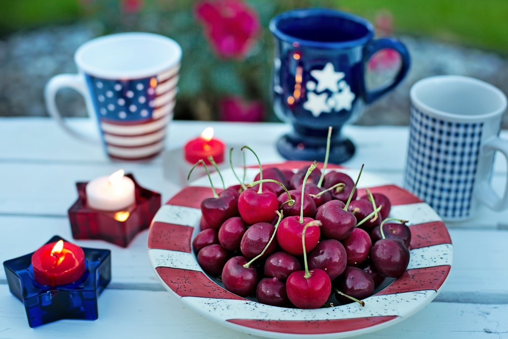 Fourth of July alcohol free table