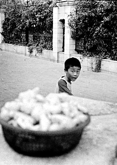 China-Shanghai-boy-200808