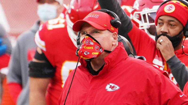 """The Chiefs' """"4th-and-1"""" Play Call Is The Best Play Call In NFL Playoff History"""