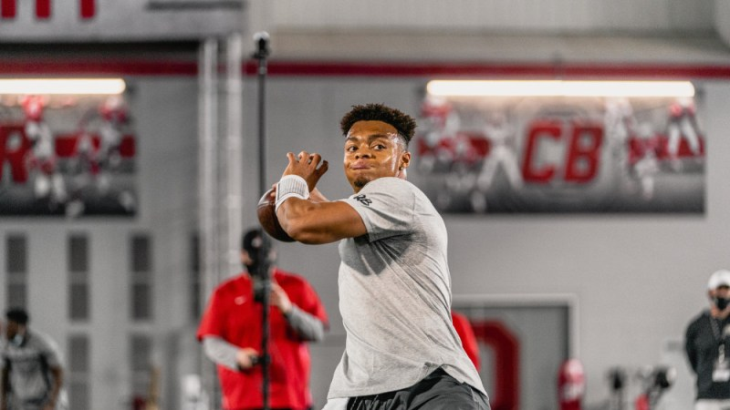 Who Says Justin Fields Could Slide? Only The 49ers Know That