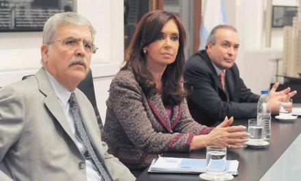 Santa Cruz recibió de Vialidad más de $140 millones por auto en la provincia (y CFK se pregunta por qué)
