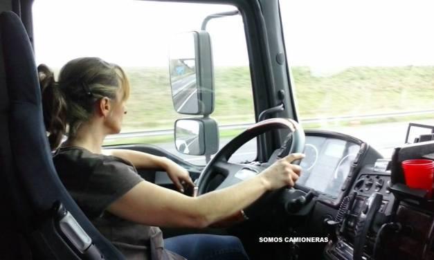 Camiones, perforadoras o autobombas: por qué las mujeres al volante de vehículos pesados son una ventaja