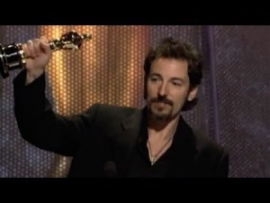 Ganó un Oscar por la banda sonora de Philadelphia.