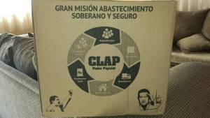 La caja social que vende el gobierno venezolano, con la cara de Chávez.