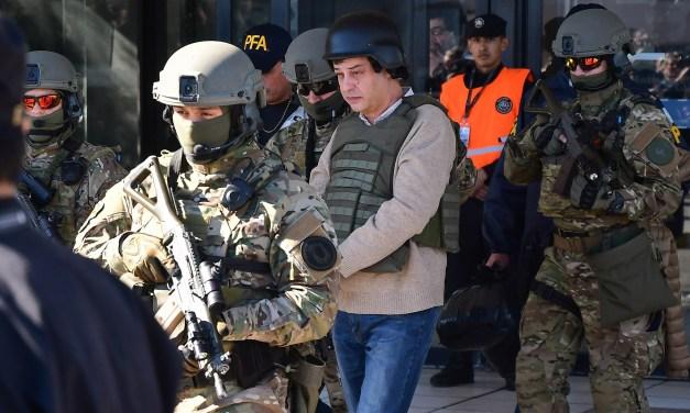 Polémico: Ratifican al contador preso de CFK como síndico del Banco de Santa Cruz