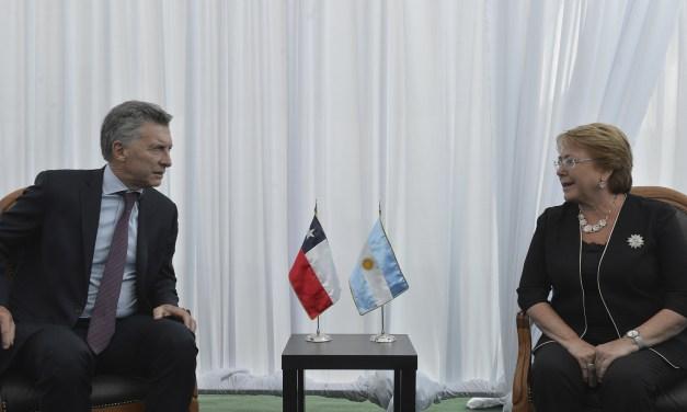A Macri lo seduce Chile y avanza en una sociedad inédita con Bachelet