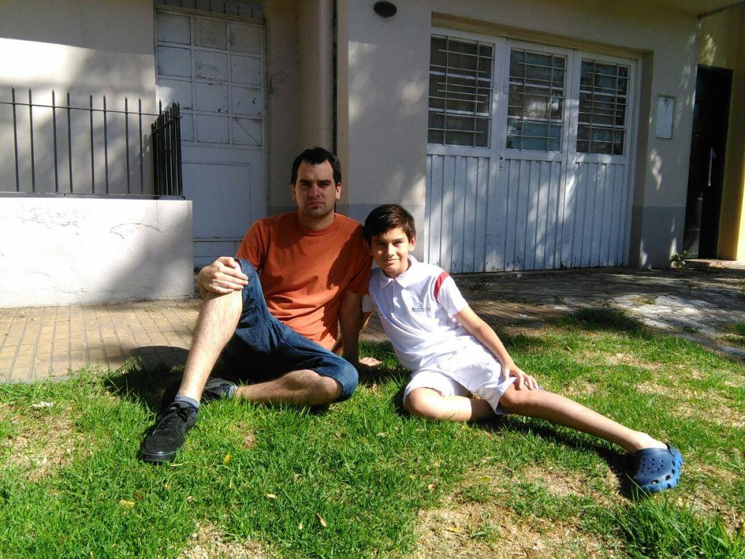 Nicolás de la Barrera, colaborador de #BORDER, y su hijo, Santiago.