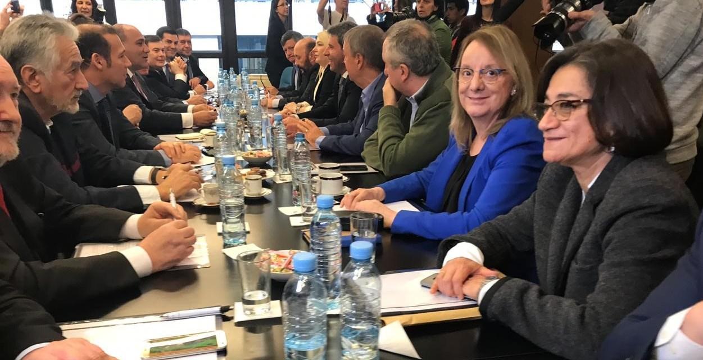 «Esto es un quilombo»: Roscas e intereses que dividen a los gobernadores del PJ