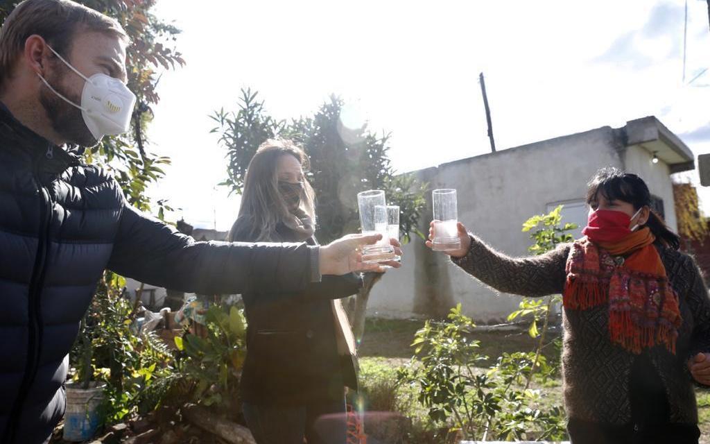 Malena Galmarini inauguró una red de agua que abastece a unas 8000 personas