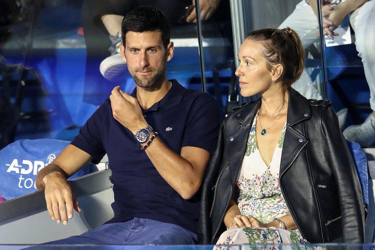 Cuarentena: El número 1 del tenis se fue al pasto