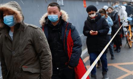 Hisopado anal: por qué lo empezaron a implementar masivamente en China