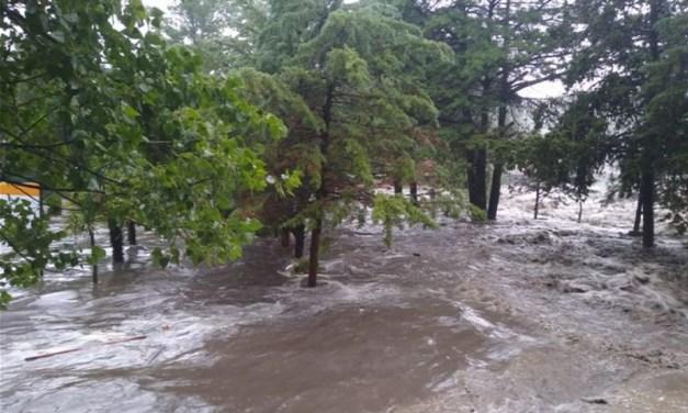 Incontrolable crecida de ríos afecta a La Falda y a otras localidades del Valle de Punilla