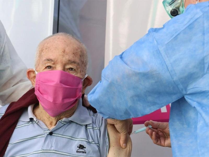 Cómo sacar turno para vacunarse contra el Covid en CABA