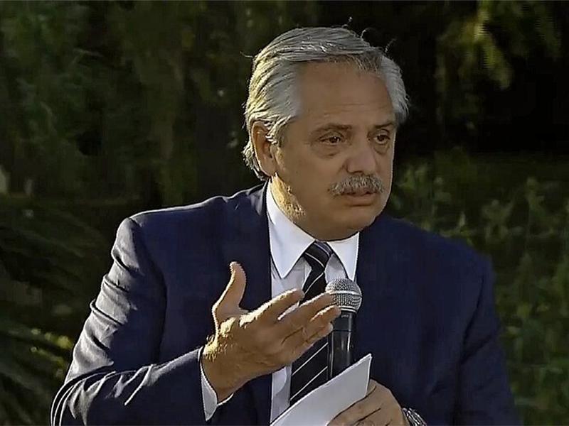 """Alberto Fernández: """"Un día soy un títere, al otro un soberbio"""""""