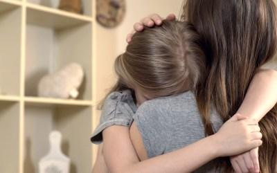 Cuatro claves para hablar con los niños sobre cómo hacer un duelo