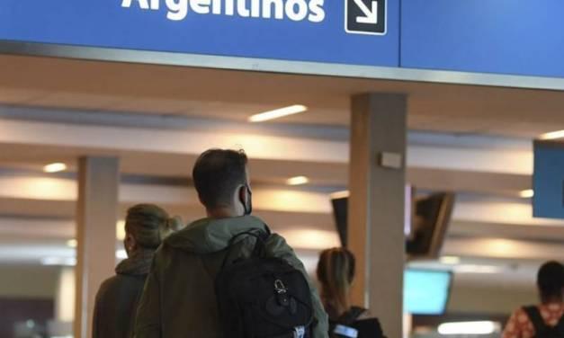 El Gobierno defiende la restricción de vuelos y dicen que previene un «colapso sanitario»