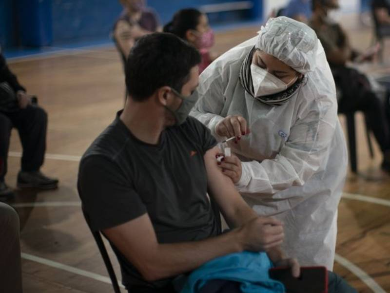 Ciudad abre la vacunación para mayores de 18 años
