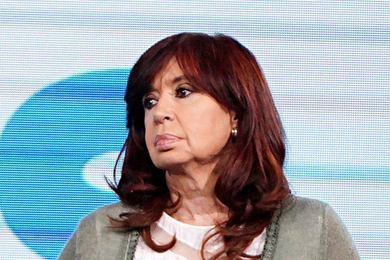 Cristina pide la cabeza del vocero presidencial y acorrala a Alberto Fernandez