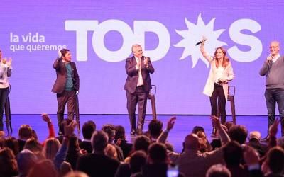 Alberto Fernández cerró la campaña del Frente de Todos en Mar del Plata: «La mejor política económica que tuvimos fue la vacuna»