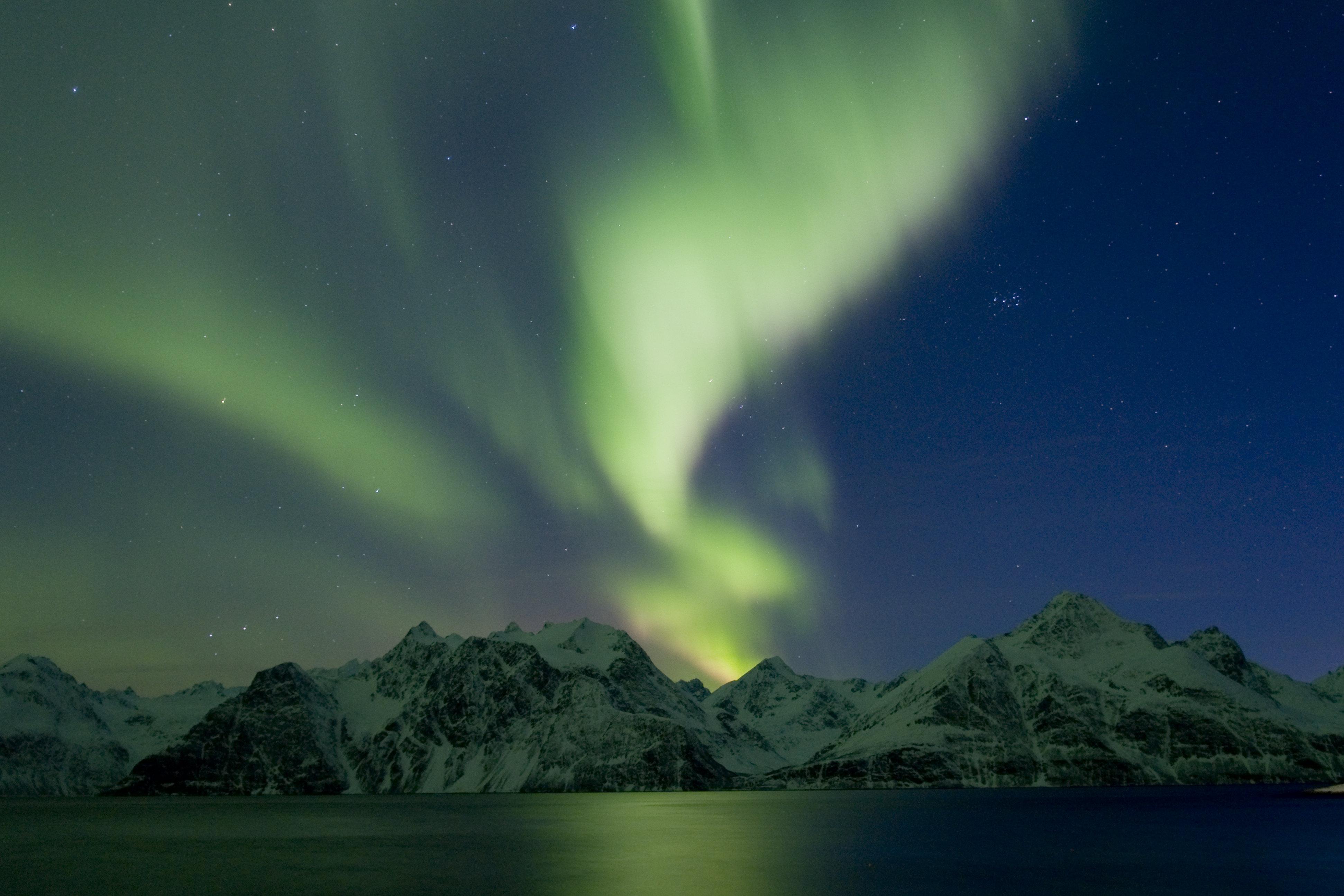 Best Time See Northern Lights Svalbard