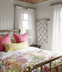 cottage bedroom sarah richardson comfy decorating sarahs farmhouse quilts bedrooms bed room decor country guest makeover walls rooms fixer upper