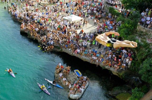 mostar bridge diving2