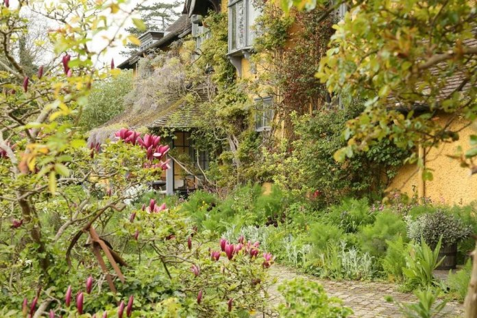 Some Of The Most Beautiful Summer Gardens In Britain