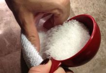 She Fills A Sock With Epson Salt - Her Next Step Makes This Absolutely Brilliant