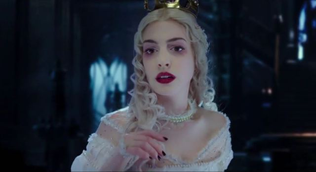 Anne Hathaway Alice Looking Glass