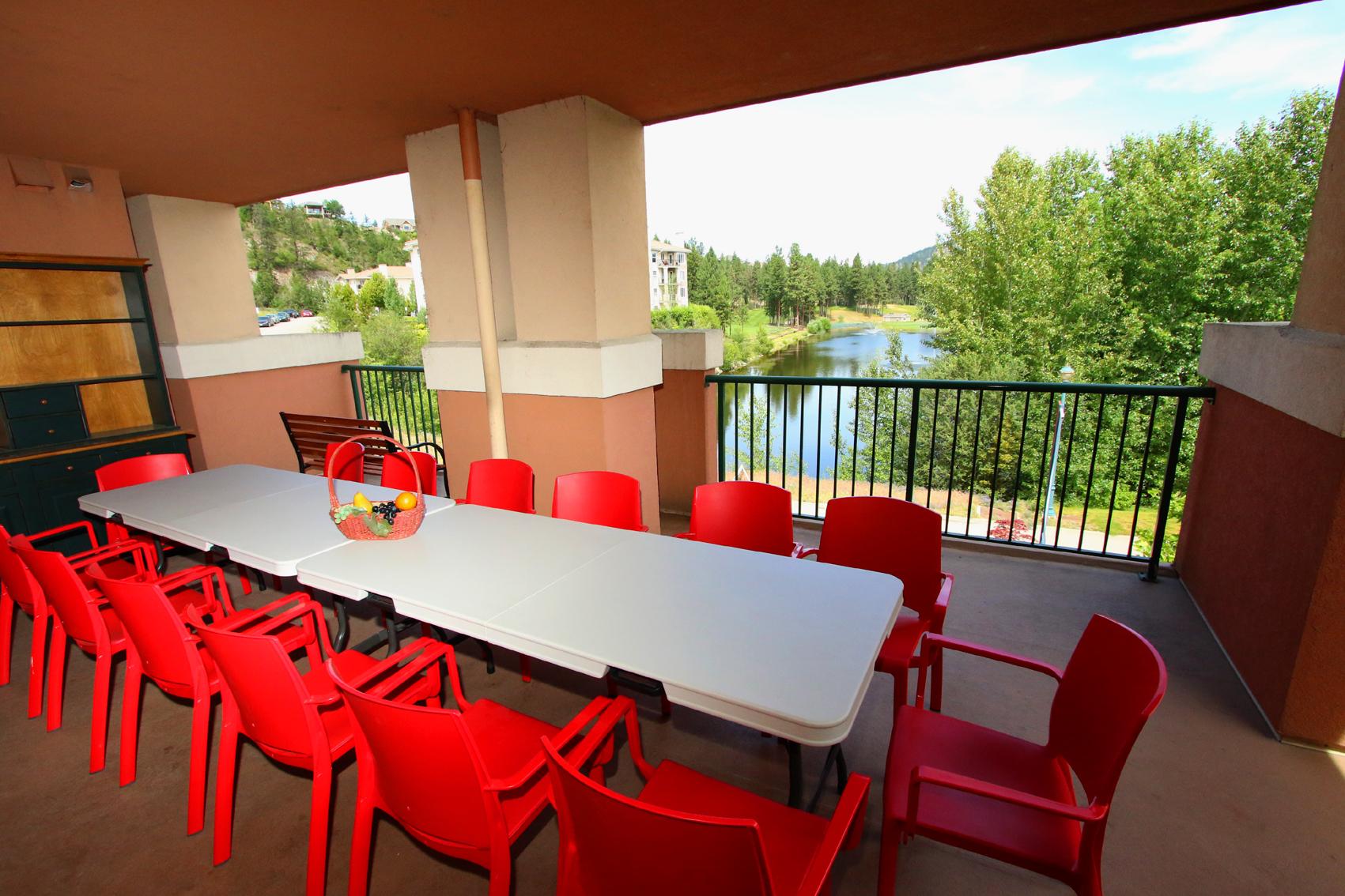 201 B  Huge Patio Els Lake Views  Studio with