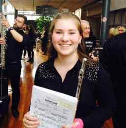 Sara debuterer i NM Janitsjar