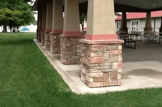 Post Frame Pavilion/Versetta Stone Column