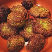 Falafel and Homemade Tahini Sauce
