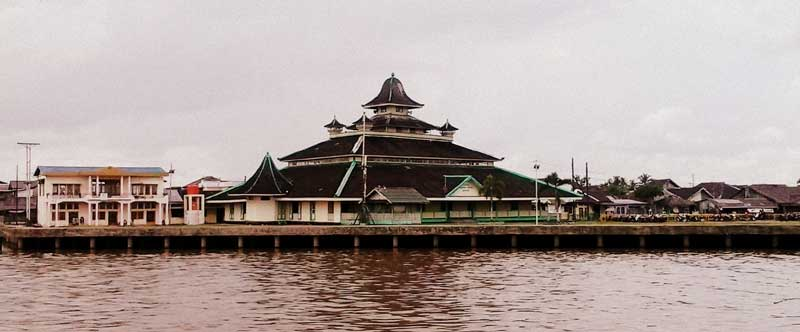 sungai Kapuas dan Masjid Jami