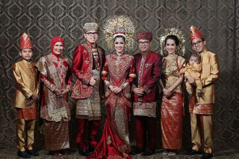 Baju Seragam Pernikahan Minang