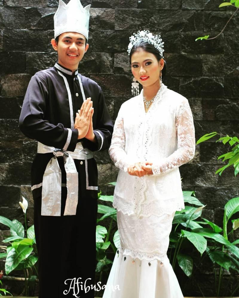 5 Daftar lengkap Pakaian Adat Sulawesi Utara Berserta ...