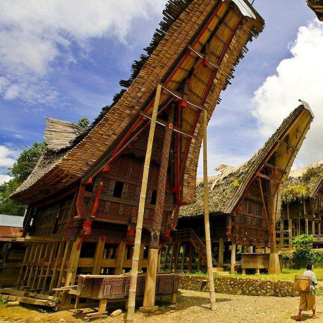Rumah Adat Sulawesi Selatan & Gambar Penjelasan!