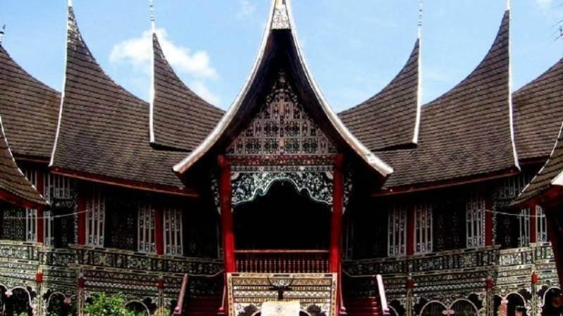 Ciri Ciri Dan Nama Rumah Adat Sumatera Barat