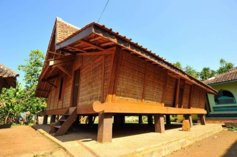 Rumah Adat Tajug Jawa Tengah
