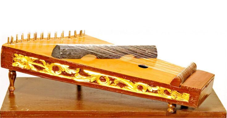 Alat musik tradisional siter