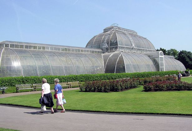 Kew.gardens.palm.house.london.arp.jpg
