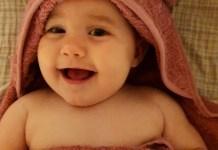Libero babyhudpleje, baby efter bad.