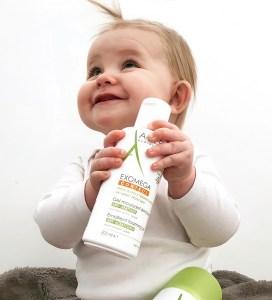 baby holder A-DERMA Exomega produktet
