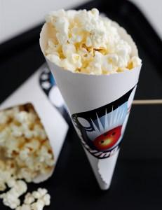 popcorn i hjemmelavet bæger