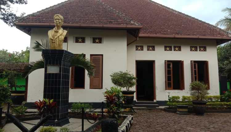 PETILASAN: Di rumah ini, selama kurang lebih tiga bulan Jenderal Sudirman dirawat karena tuberkulosis sebelum meninggal dunia. (Foto: Wahid Fahrur Annas)