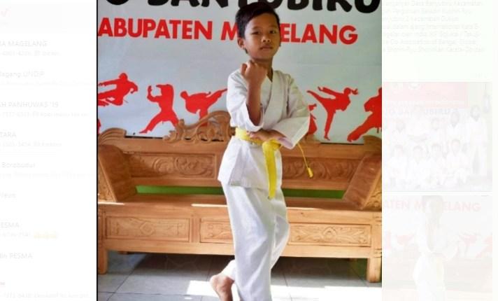 Raditya Ransa juara 3 Karate Internasional dari SD N 2 Banyubiru